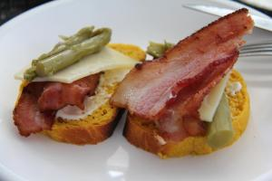 bacon and asparagus on pumpkin bread
