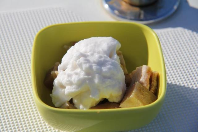 banana poe and coconut cream