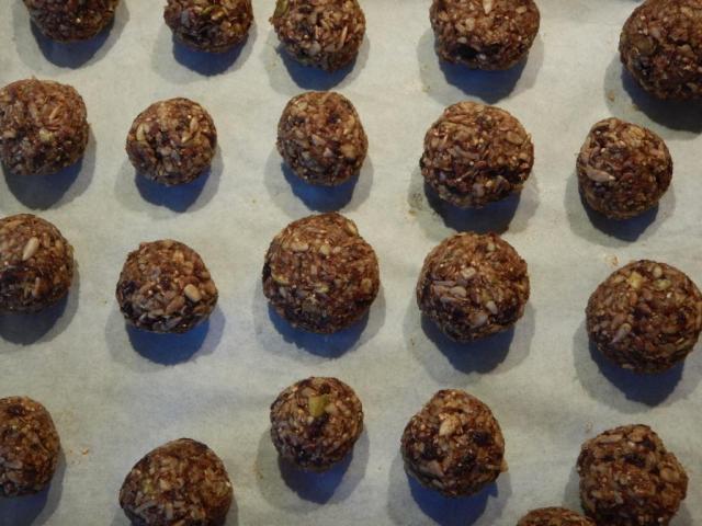 date protein balls